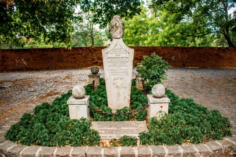 Tomb of the last pasha Buda Castle