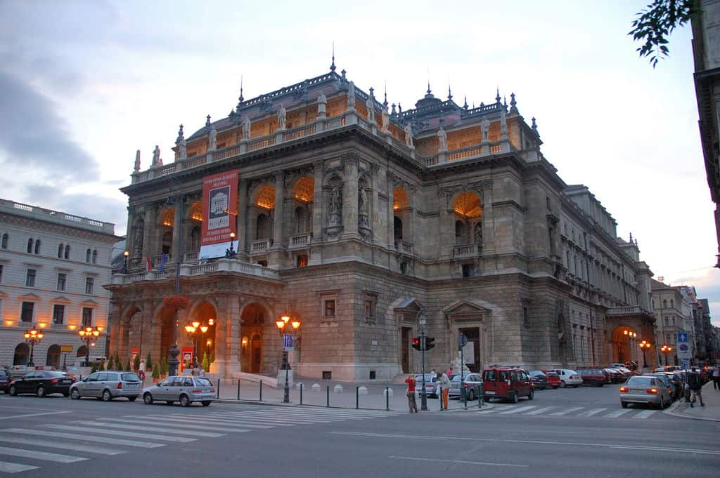the building of the Hungarian State Opera House