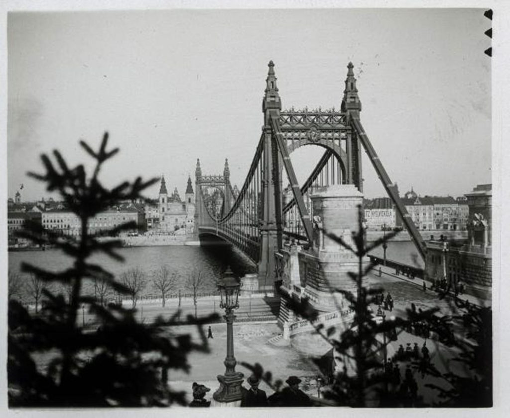 1904 Elizabeth Bridge