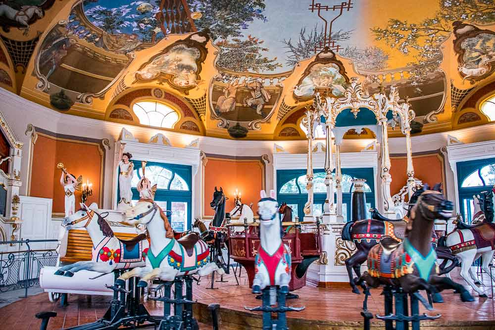 The old merry-go-round in the Zoo
